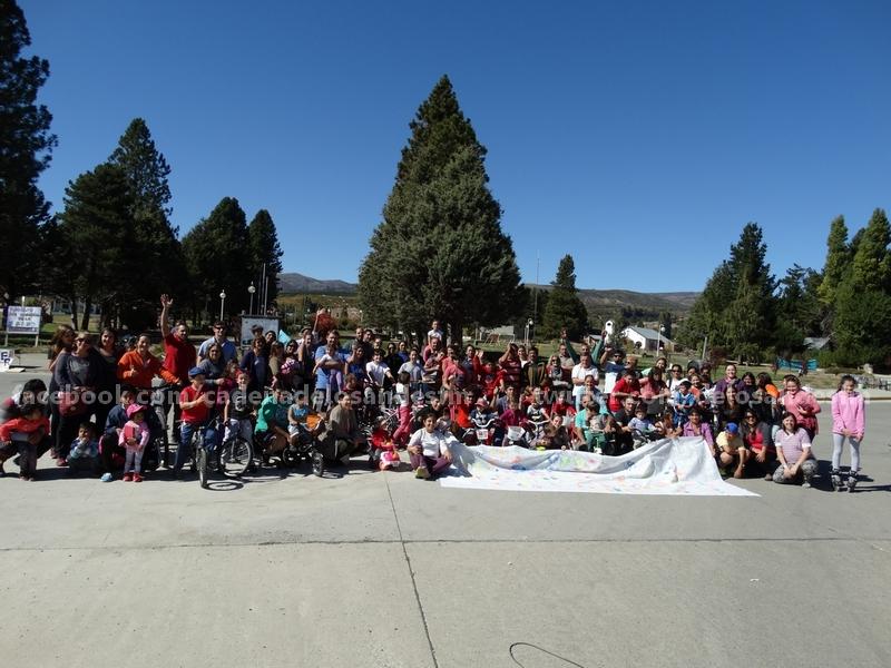 Todos los concurrentes en una foto al final del evento.