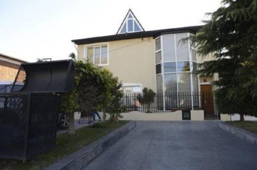 La casa de calle Villarin 126, donde está la esposa de Báez.