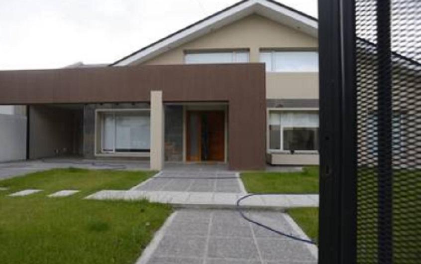 La casa más nueva de los Báez, vive allí Melina.