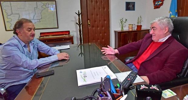 Das Neves firmó el contrato de gas para Comodoro