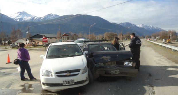 Cinco personas sufrieron heridas leves en choque sobre ruta 40