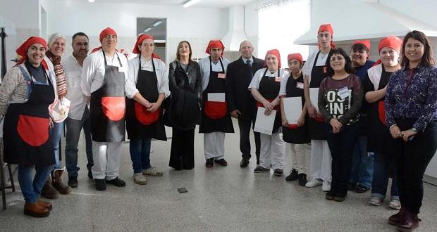 Servicio de catering para 300 docentes fue elaborado por estudiantes de la escuela 531
