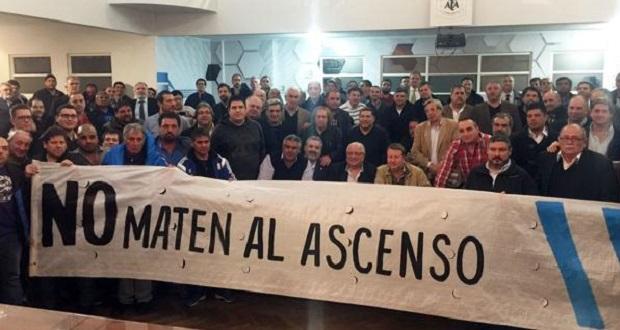 Rebelión de los clubes del interior contra la Comisión Regularizadora de la AFA