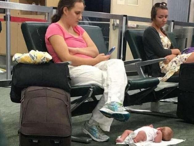 mamá dejo a bebe 2